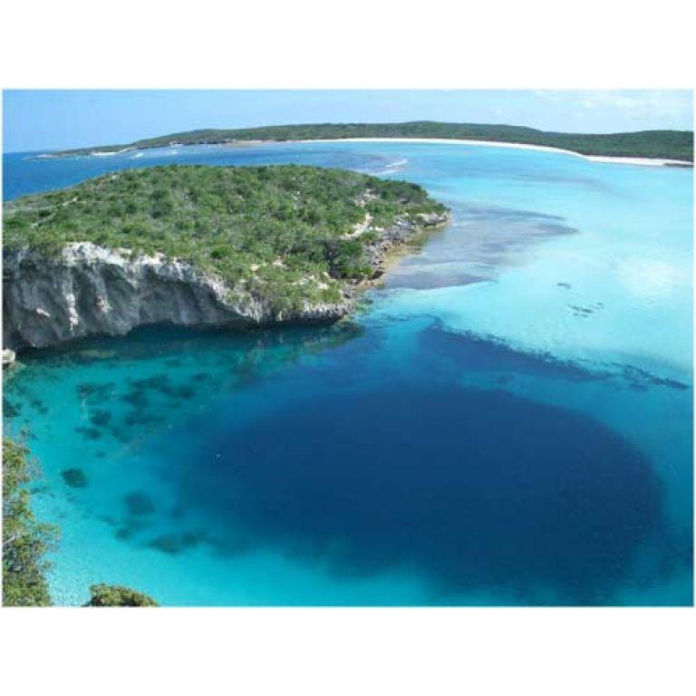 El agujero azul mas profundo del planeta