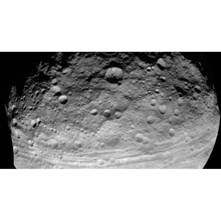 Los misterios del asteroide Vesta comienzan a ser desvelados