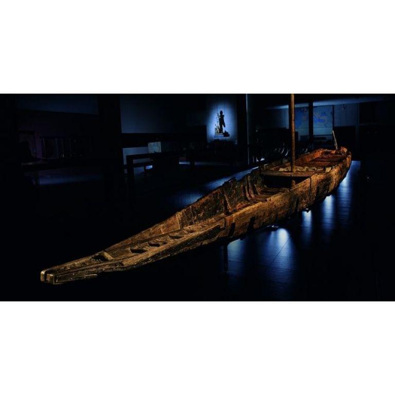 Recuperan un barco hundido en el Ródano