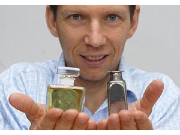 Científicos crean metal que se puede moldear como el plástico