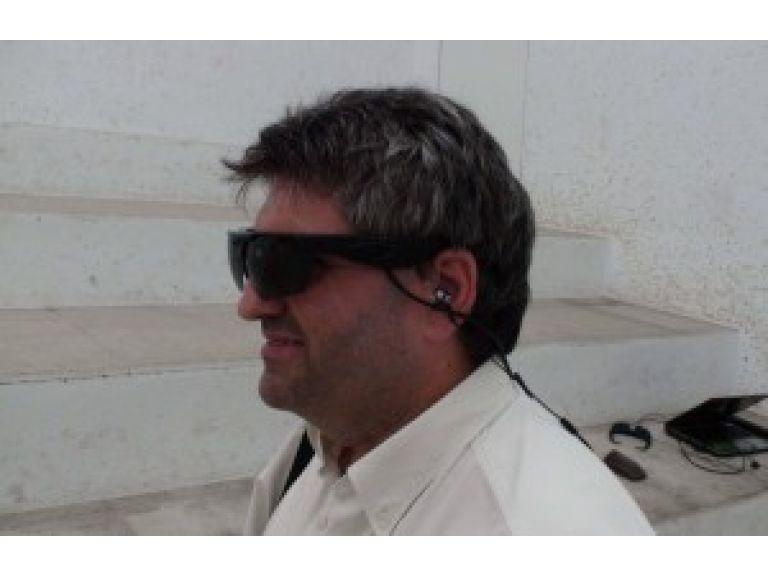 """Sistema de anteojos permite a los ciegos """"ver"""" a través del sonido"""