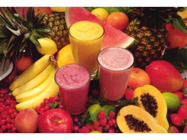 Licuados y jugos de frutas, los desintoxicantes más naturales