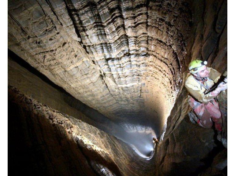 Krubera, la cueva mas profunda del mundo