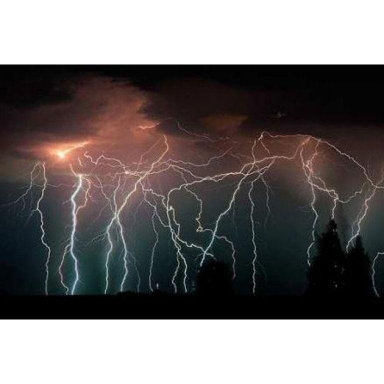 ¿Que son los Duendes Rojos de las tormentas?